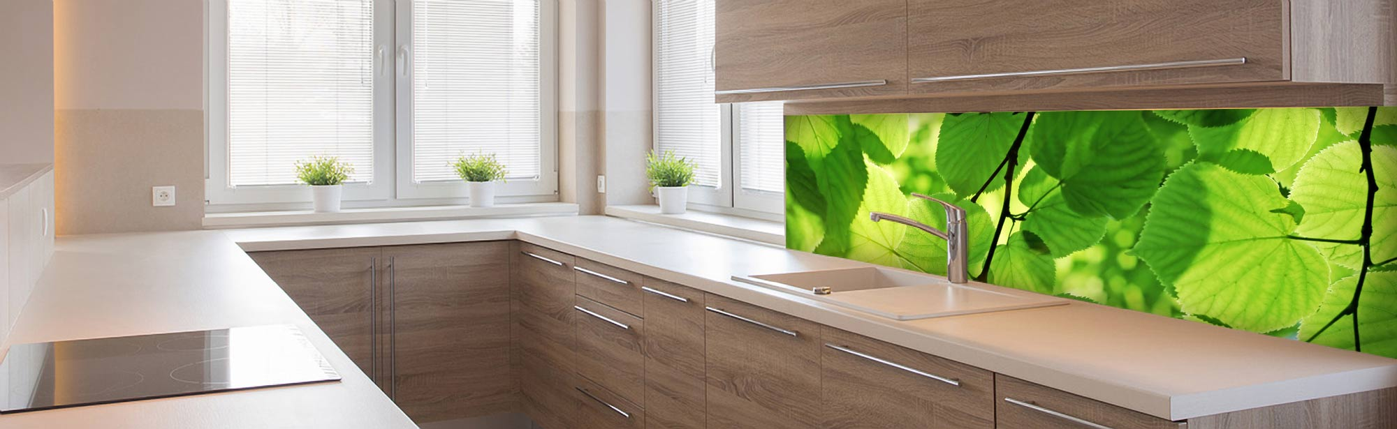 kuchynska zastena - zelene listy